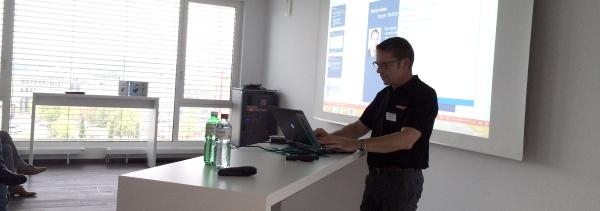 Othmar Frey stellt das Migrationsprojekt der Enkom AG vor