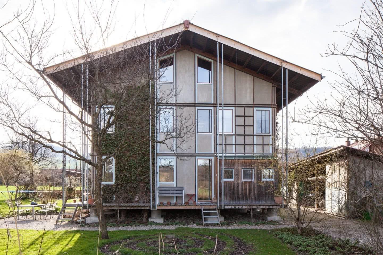 Stirnfassade Wohnhaus in Mühlethurnen Bern, gebaut 1989