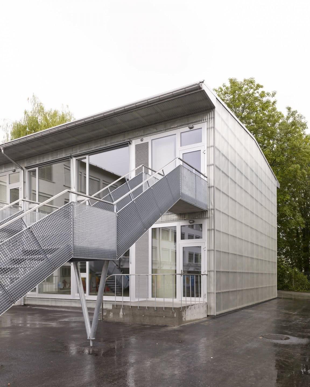 Auf unserer Tour durch das Glarnerland ist das Berghotel Mettmen – auch wenn nicht in modularer Bauweise erstellt – einen Aufenthalt wert.