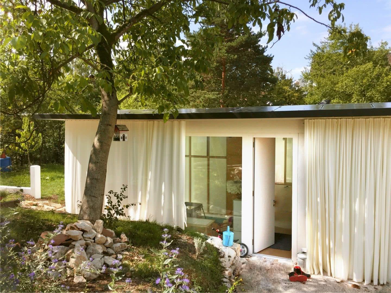 Movable House von Rhabaran Hürzeler, Curtain Garden