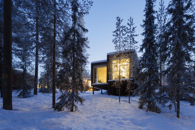 ARCTIC TREEHOUSE HOTEL_winter_Studio Puisto_photos Marc Goodwin (13)