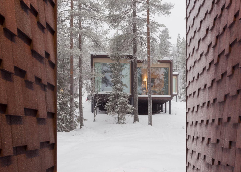 ARCTIC TREEHOUSE HOTEL_winter_Studio Puisto_photos Marc Goodwin (15)