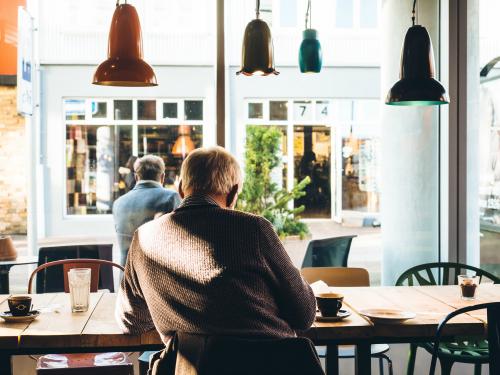 Wohnen im Alter mit MONA-Tool, Seniorenresidenz als Alternative