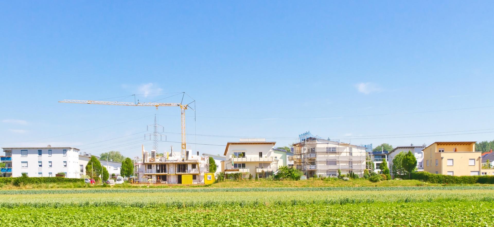 Kauf ab Plan: Neubau auf der grünen Wiese (Bild: fotolia)