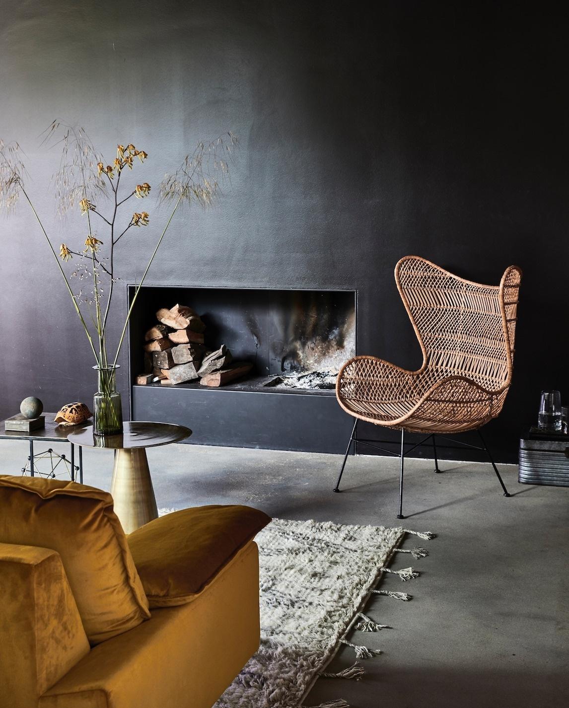 Faszinierend Schwarze Möbel Referenz Von Wände Sind Das Beste Bühnenbild. Davor Leuchten