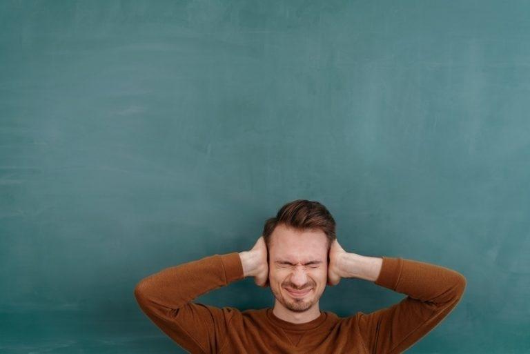 In der Alltagshektik sehnen sich viele Menschen nach Ruhe. Doch wenn der Schallschutz im Haus zu wünschen übrig lässt, gibt es oft Ärger. Daher Augen auf beim Wohnungskauf: Verlangen Sie Qualität!